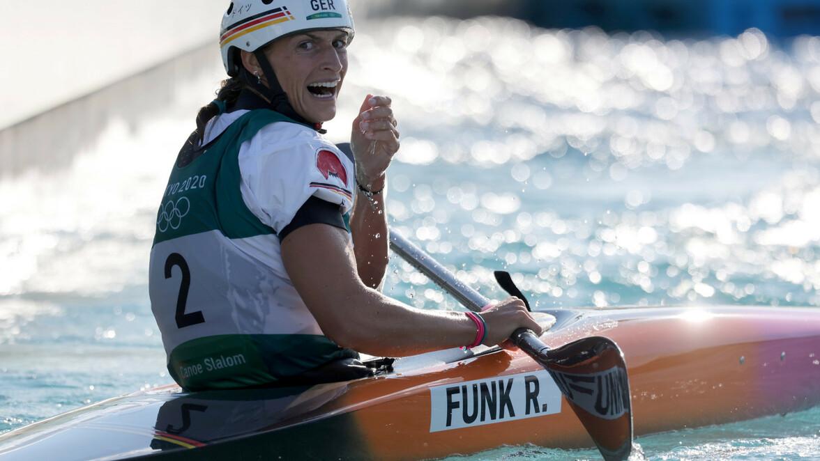 Olympische Spiele in Tokio: Erstes Olympia-Gold für ...